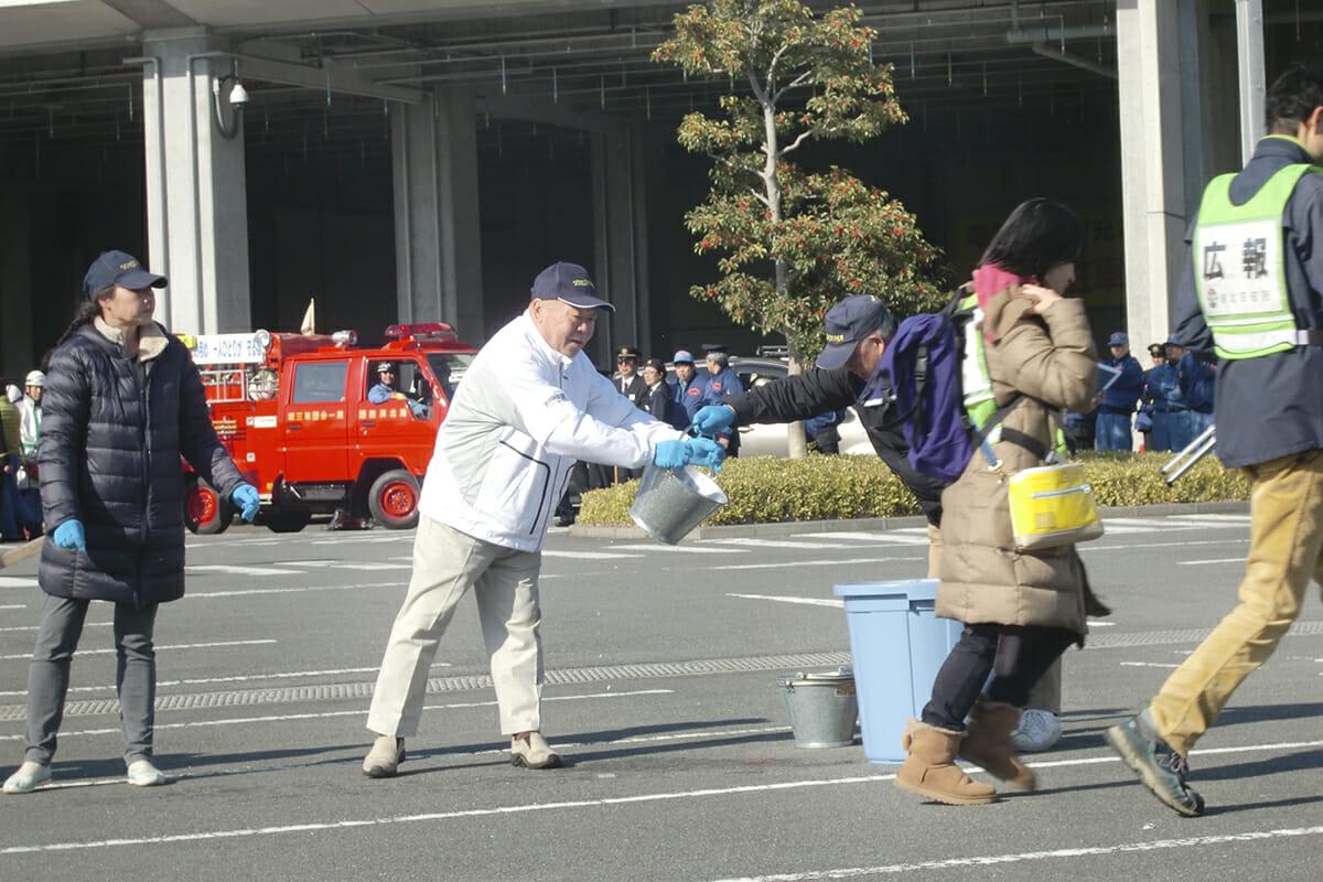 ■港北消防出初め式に家庭防災員として実技参加しています。